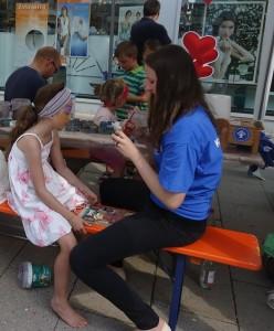 Huttag: Crêpes, Basteln, Kinderschminken, Spielen